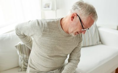 ¿Por qué duele más la espalda en invierno y qué podemos hacer?